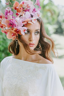 Tropical bridal headpiece with orchids