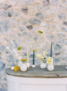 minimalist wedding flowers