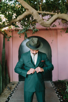 groom with hat