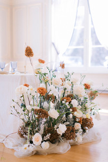 modern luxe floral installation