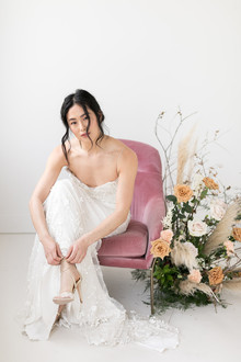 Minimalist bridal fashion