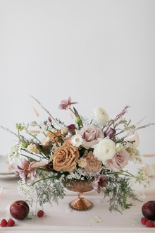how to mix dried and fresh flowers in a centerpiece