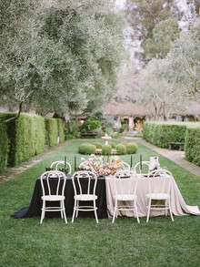 duo tone color block wedding inspiration
