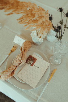 blush neutral place setting