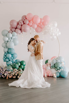Balloon arch wedding ceremony