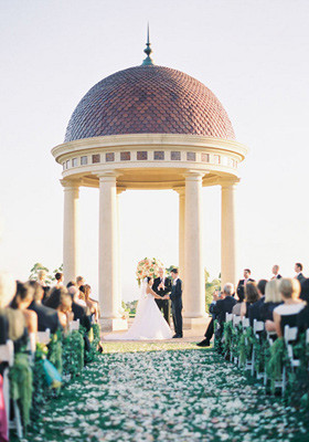 Pelican Hill wedding altar