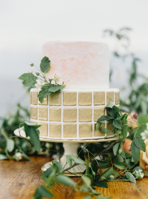 Modern gold wedding cake