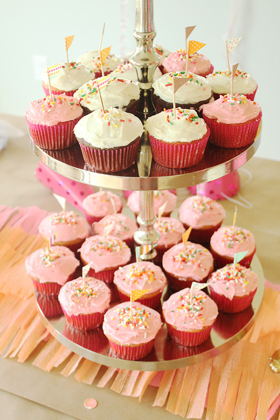 Pink Cupcakes Wedding Amp Party Ideas 100 Layer Cake
