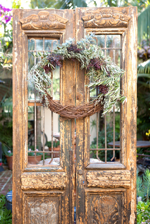 Vintage elopement decor