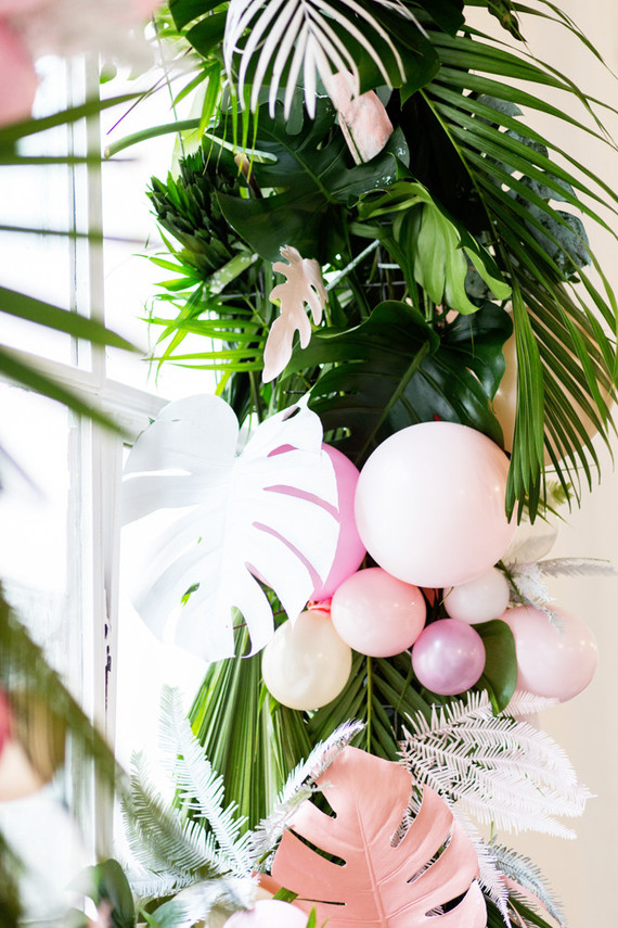 Tropical Wreath With Balloons Wedding Amp Party Ideas
