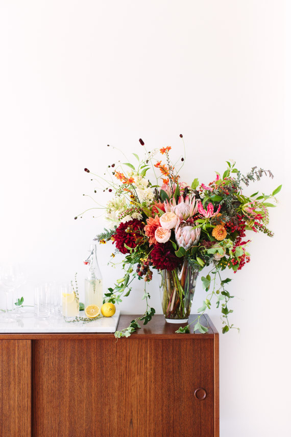 Summer entertaining floral arrangement | Wedding & Party ...