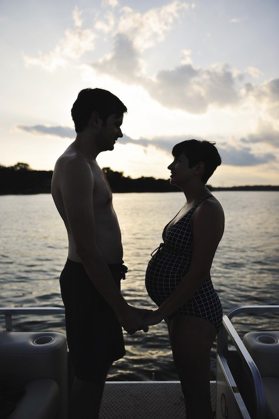Lakeside maternity photos