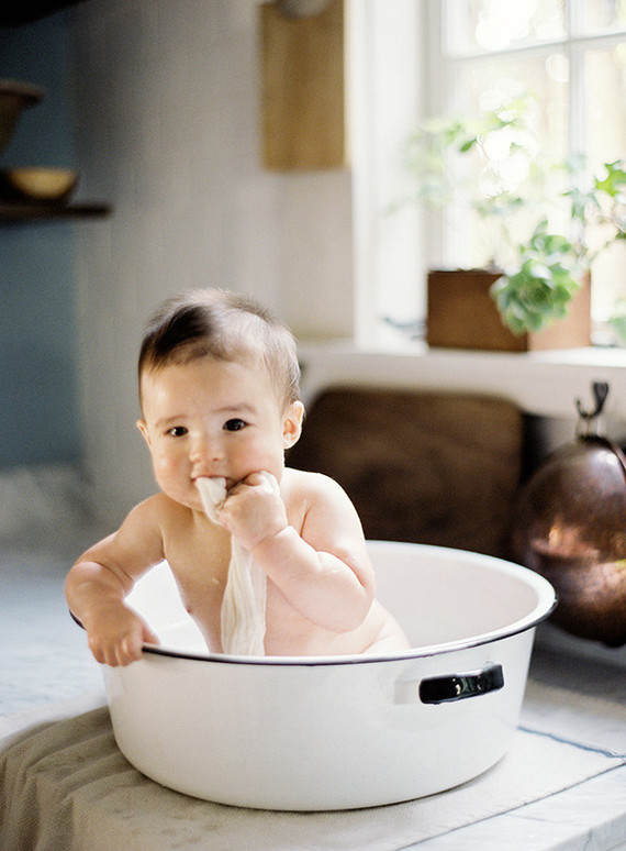 baby portrait in bath