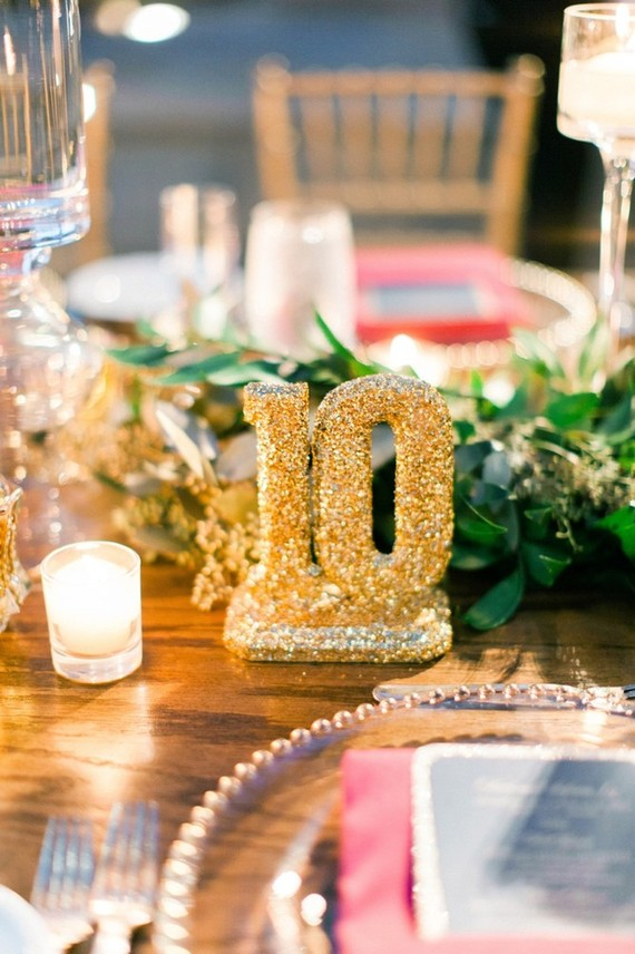 Gold table number