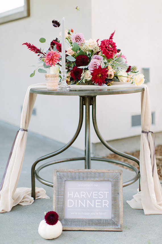 Harvest dinner decor