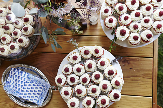 White and rasberry cupcakes