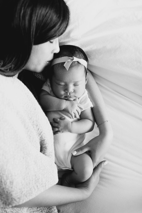 mother daughter newborn photos