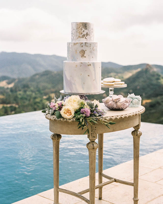 Marbled wedding cake