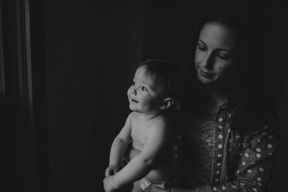 Motherhood sessions by Victoria Gloria