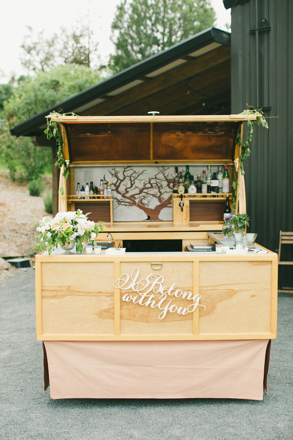 Mobile bar cart wedding party ideas 100 layer cake for Mobili bar cart