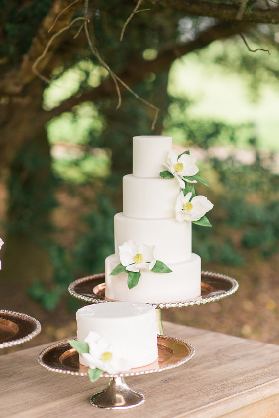 magnolia wedding cakes