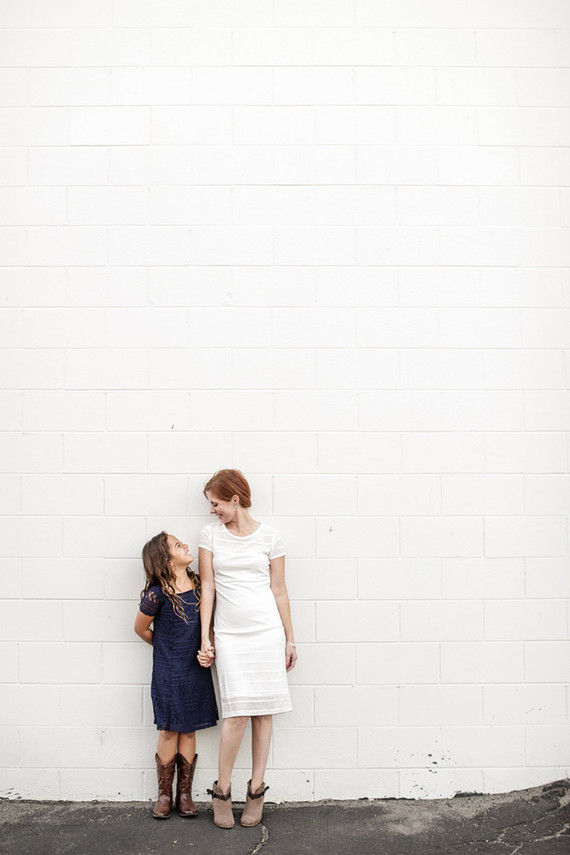 Modern urban family photos wedding party ideas 100 for Urban family photo ideas