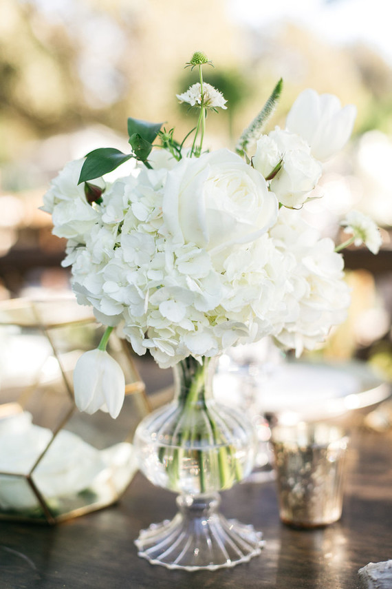 Green, white, and gold wedding ideas