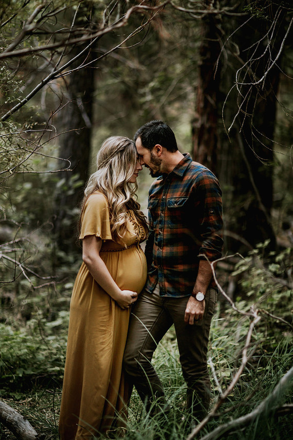 Moody Bohemian Maternity Photos Wedding Amp Party Ideas
