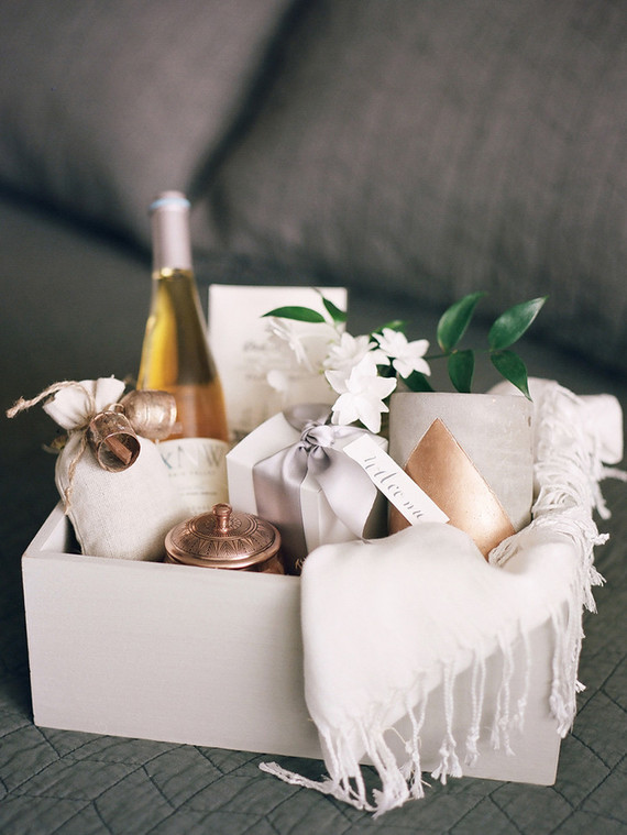 How To Make Wedding Gift Basket : Wedding gift basket Wedding & Party Ideas 100 Layer Cake