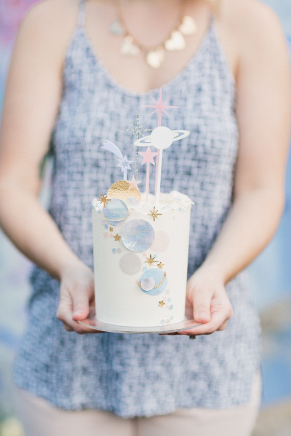 moon and stars themed cake