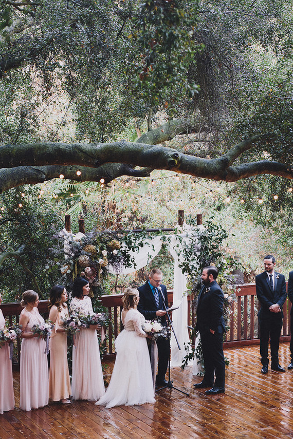 Moody rainy Topanga Canyon wedding at the 1909