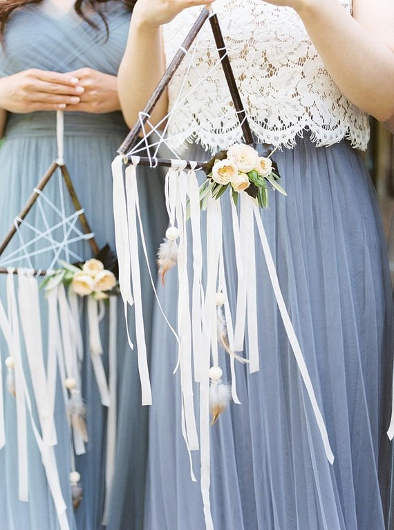 bridesmaids with dreamcatchers