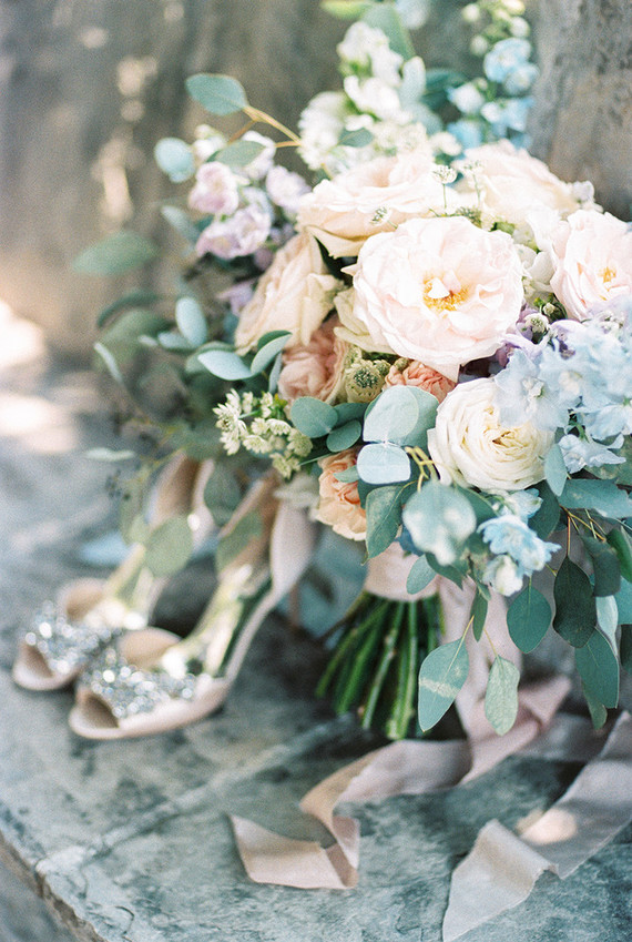 Pastel bouquet | Romantic Montenegro elopement on 100 Layer Cake