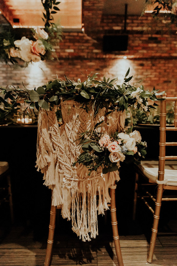 Whimsical indie wedding in Brooklyn at Diety