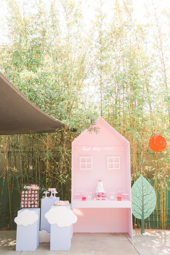 Modern Peppa Pig girl's birthday party