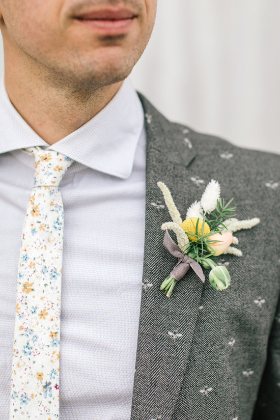 floral tie and sport coat for groom