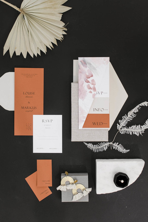 Modern wedding invitations by Carta Plena