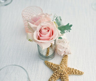 Starfish and rose decor