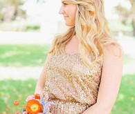 Bridesmaid with bouquets and gold dresses
