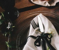 Dramatic dutch wedding place setting