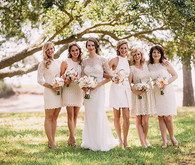 Outdoor bridesmaid with cream colored dresses