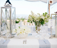White and blue tablescape