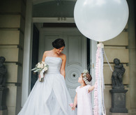 Bride with giant balloon and fringe