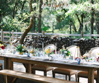 Outdoor dinner party tablescape