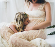Mother-daughter maternity photos