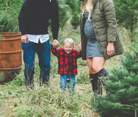 Christmas tree farm family photos