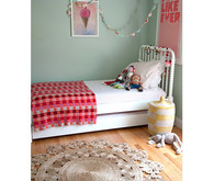 bright pink girls room