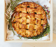 Thanksgiving apple pie