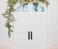 Floral ceremony arch DIY