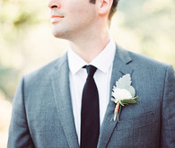 Simple groomsmen boutonnière